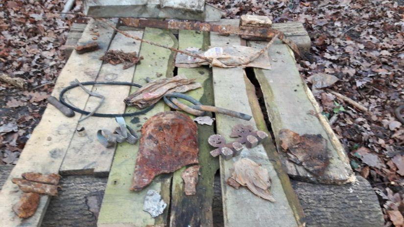 KFS Archeology table